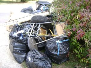Signs you need a professional junk removal company